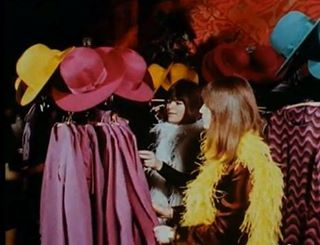 New style goal  matching dress hat AND feather boahellip