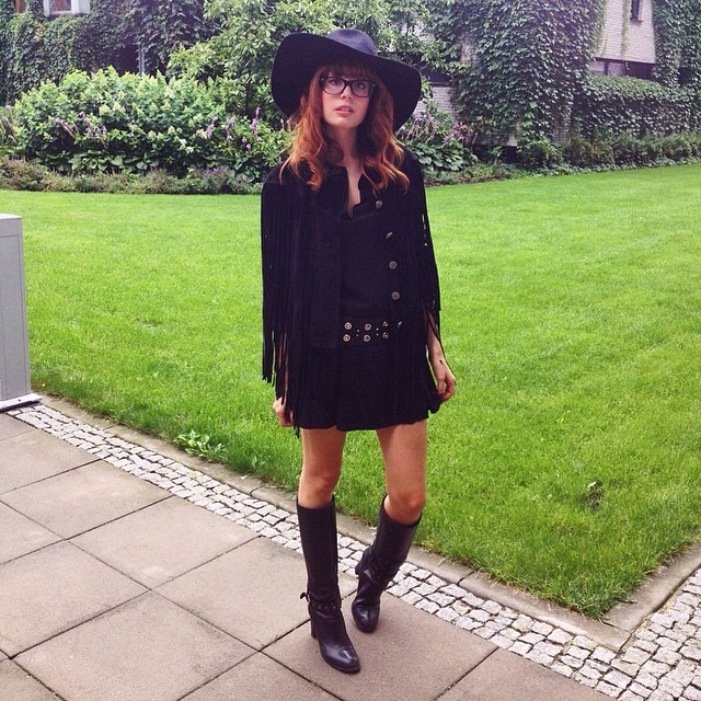Today's look in Warsaw. Wearing Denim&Supply jacket, Pinko dress, Madewell boots and my new H&M hat !