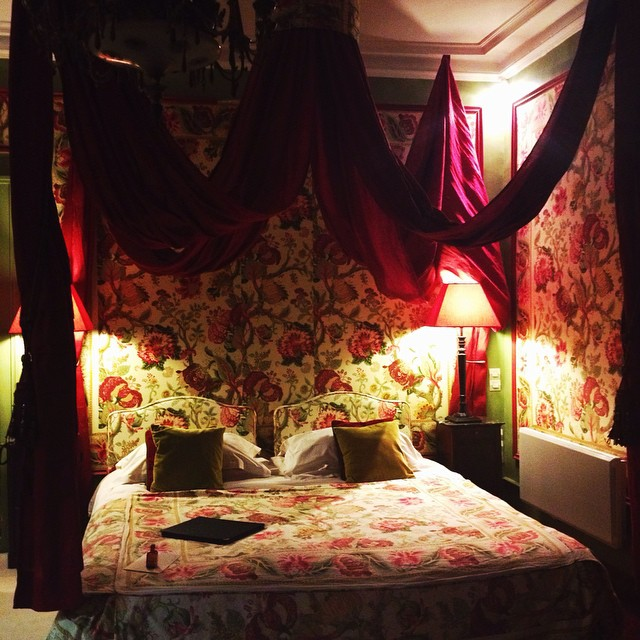 Tonight I'll sleep in the most magical place ever, thanks to @cointreau_officiel ???? #cointreaufizz