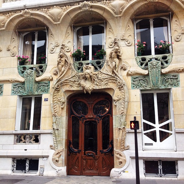 Avenue Rapp, one of the most beautiful Art Nouveau buildings in Europe...