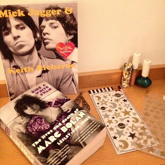 My glam altar ??? This Glimmer Twins book is from the same collection as Godard Muse and French Chic and its perfectiooooon ????