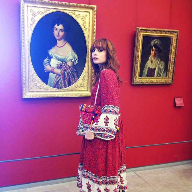 All red everywhere ❤️ #museedulouvre