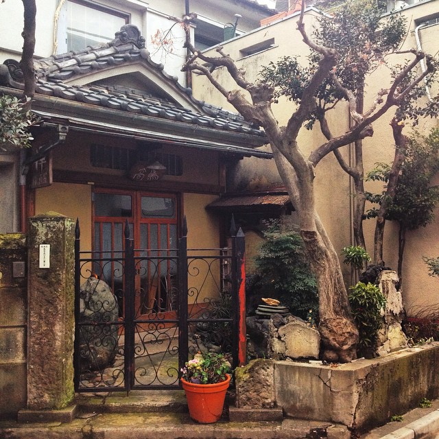You can find beautiful hidden gems like this one everywhere in Tokyo ! Here in Koenji