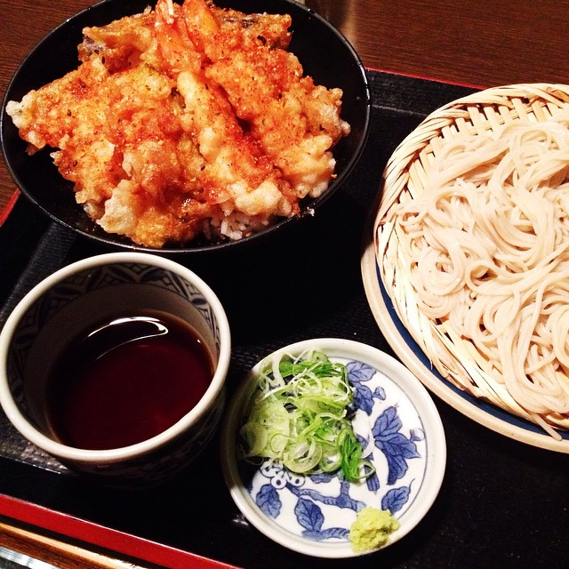 First meal ! Tempura and cold soba ???